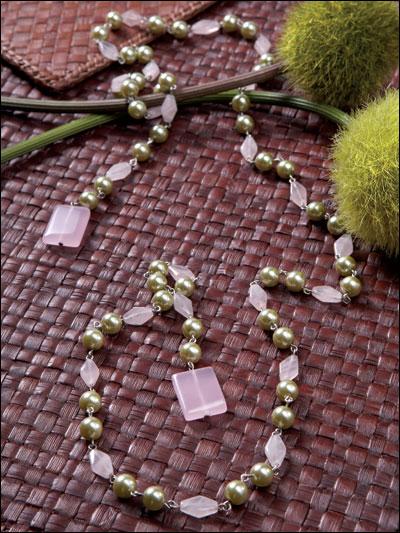 Sweet Pea Lariat Necklace photo